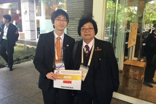 辻景太郎氏、インドネシア環境林業省 シティ大臣と