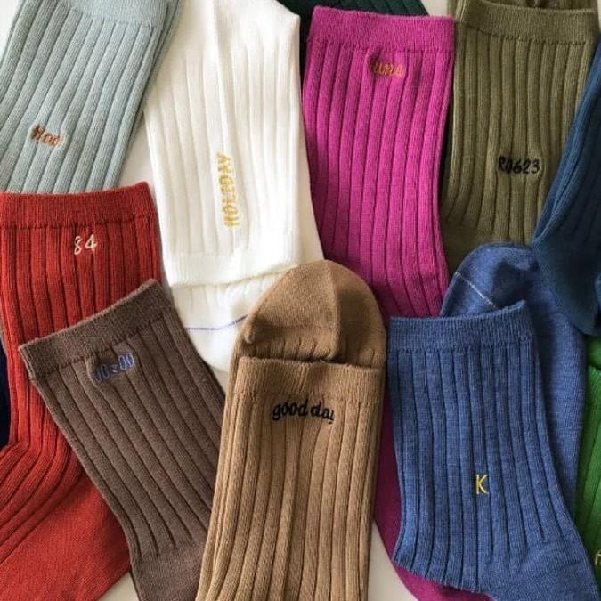 【靴下屋】刺繍でつくるオリジナル靴下は、プレゼントや推し活にもおすすめ。