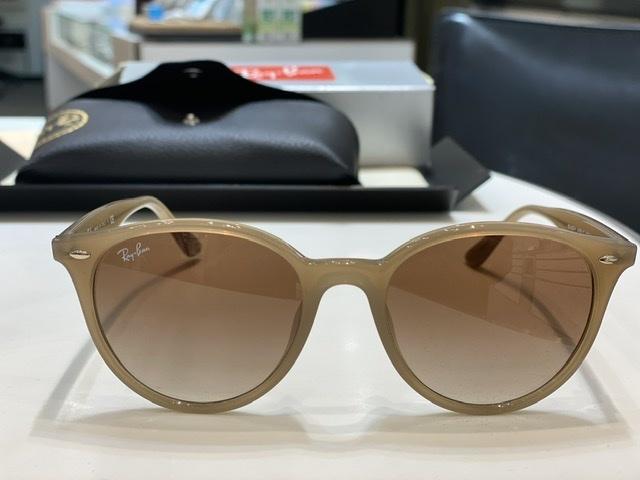 ピッタリサイズのサングラスをメガネ専門店イワキにて_1_1
