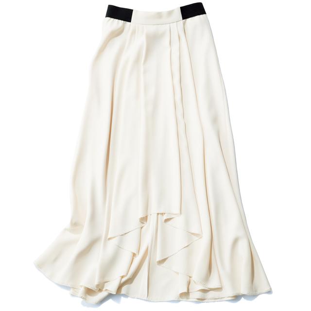 ルーム エイトの白ロングスカート