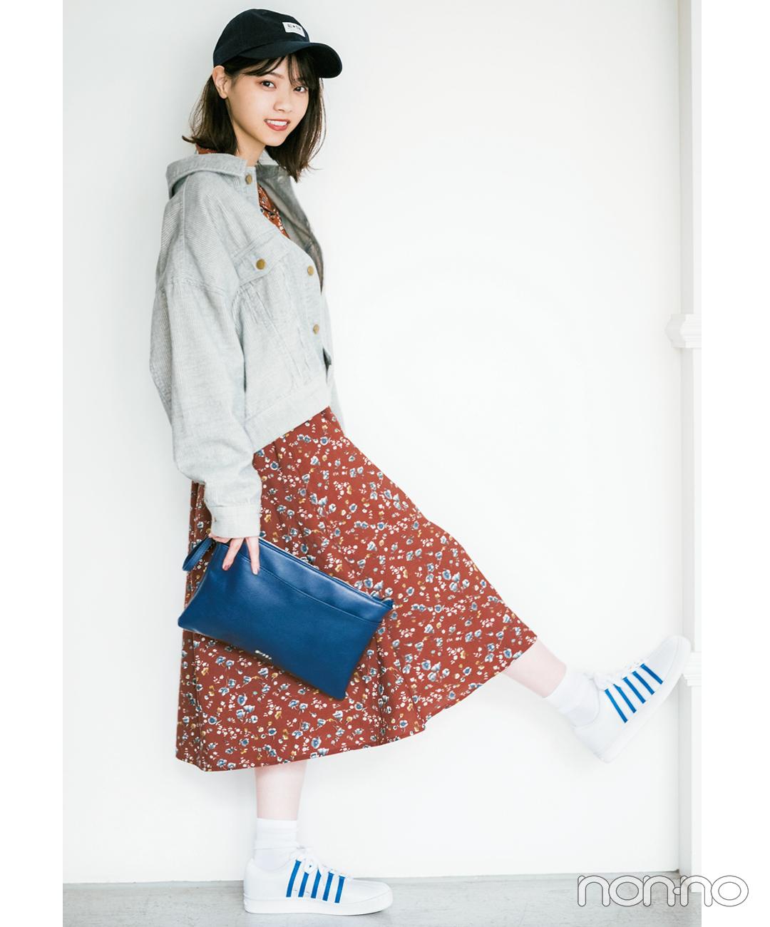 【冬のスニーカーコーデ】西野七瀬は衿抜きジャケットで花柄ワンピースをラフに着る!
