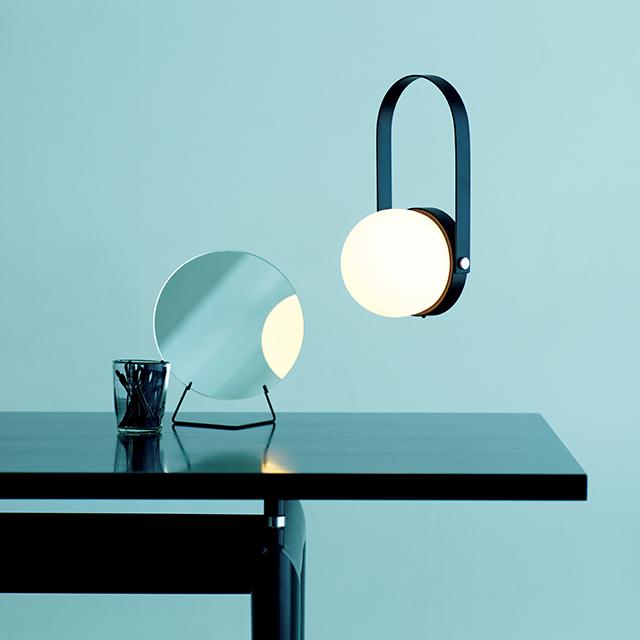 LEDランプ「Carrie LED Lamp」¥45,000 /リビング・モティーフ(メニュー)