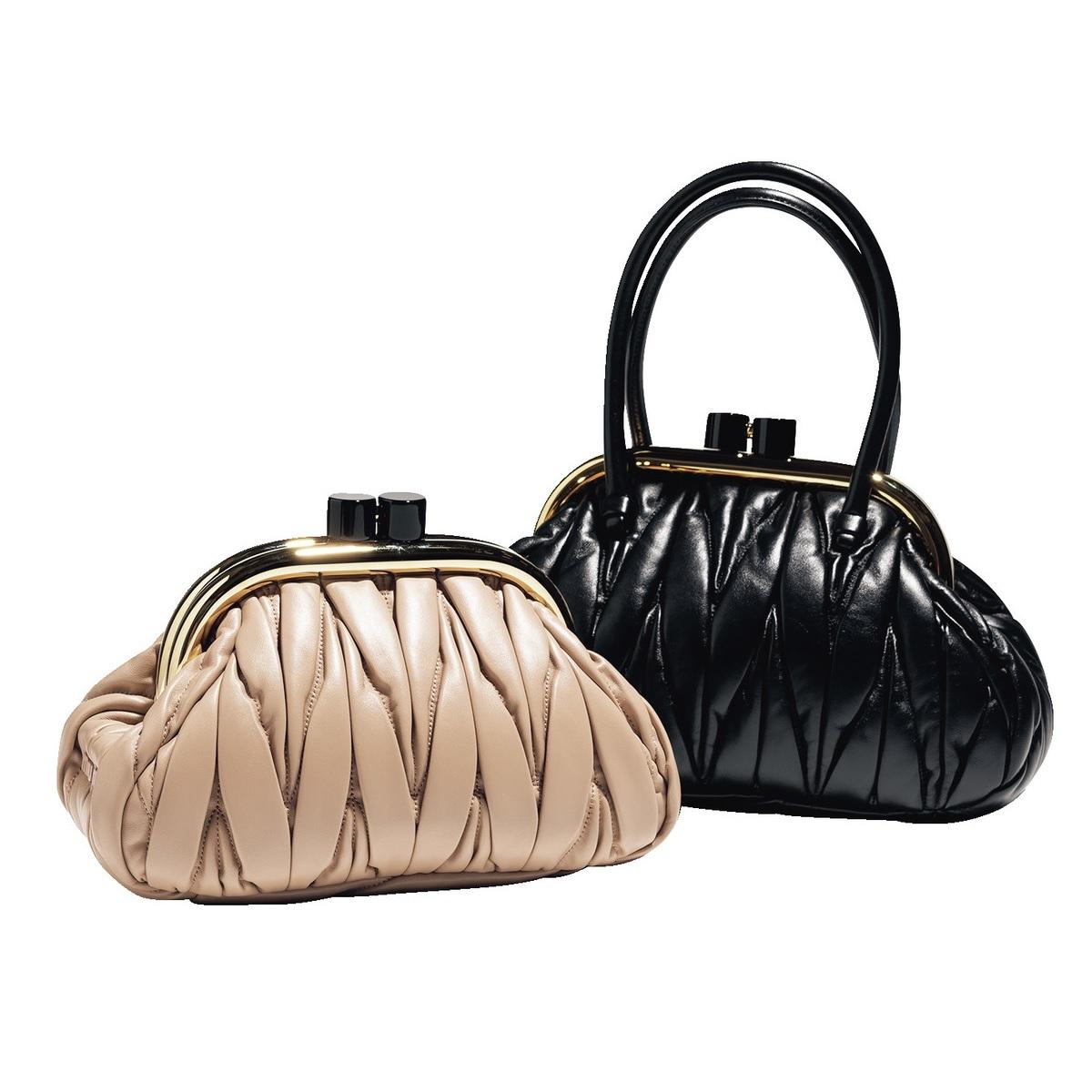 ファッション MIU MIU のバッグ