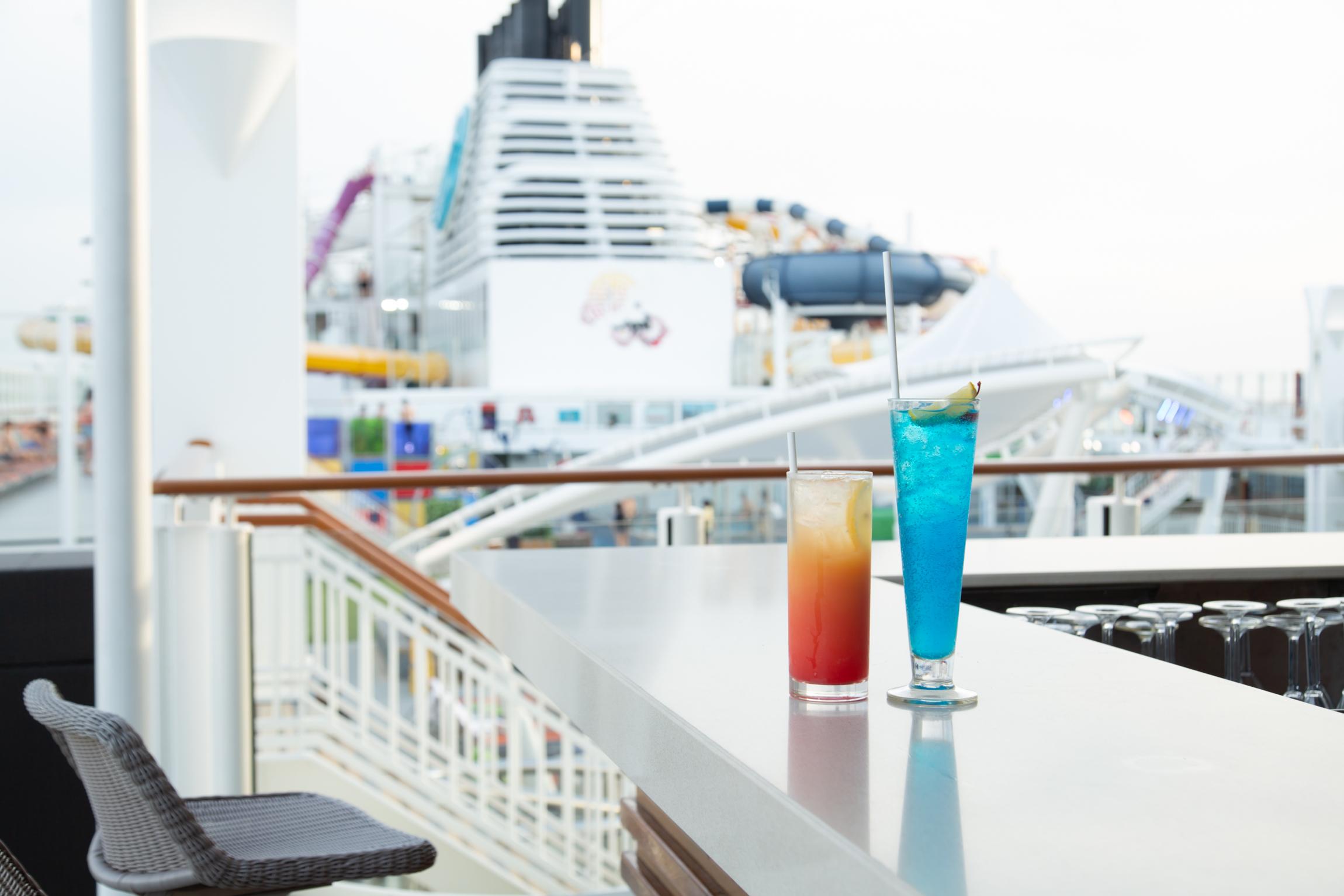 憧れの船旅。短い日数でも行ける、アジアのプレミアムクルーズへ④【ちょっと飲みたい篇】_1_2