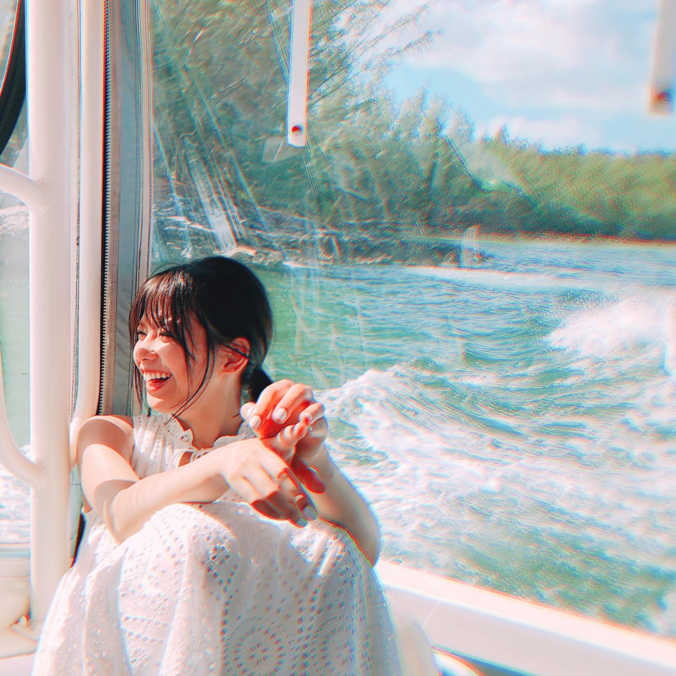 渡邉理佐写真集大ヒット中☆2週連続オリコン1位獲得!【91枚オフショ公開】_1_2-47