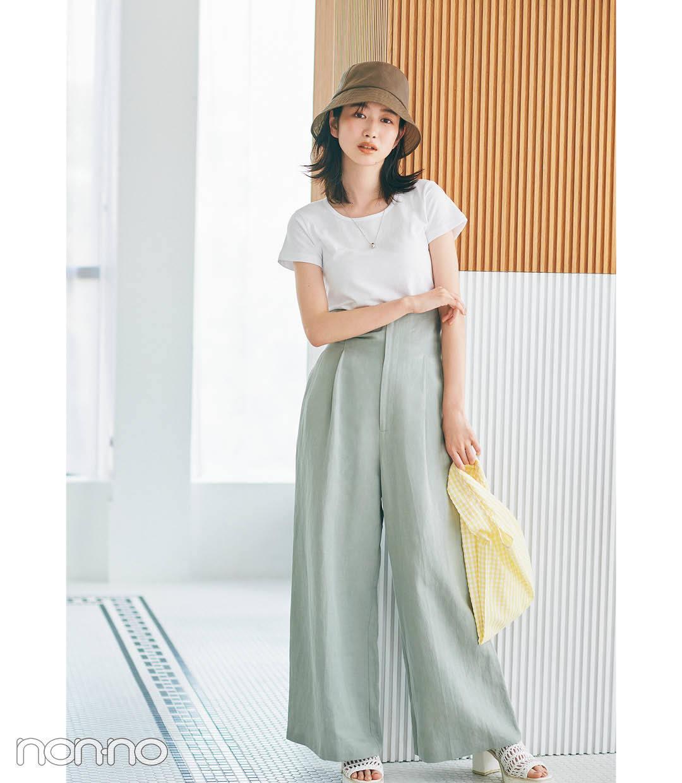 岡本夏美のコンパクトTシャツ×ハイウエストワイドパンツコーデ4