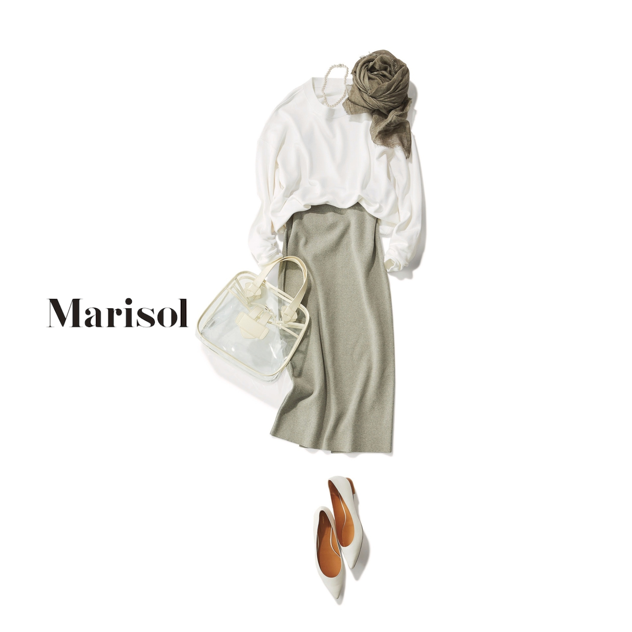 40代ファッション 白スウェット×グレータイトスカートコーデ