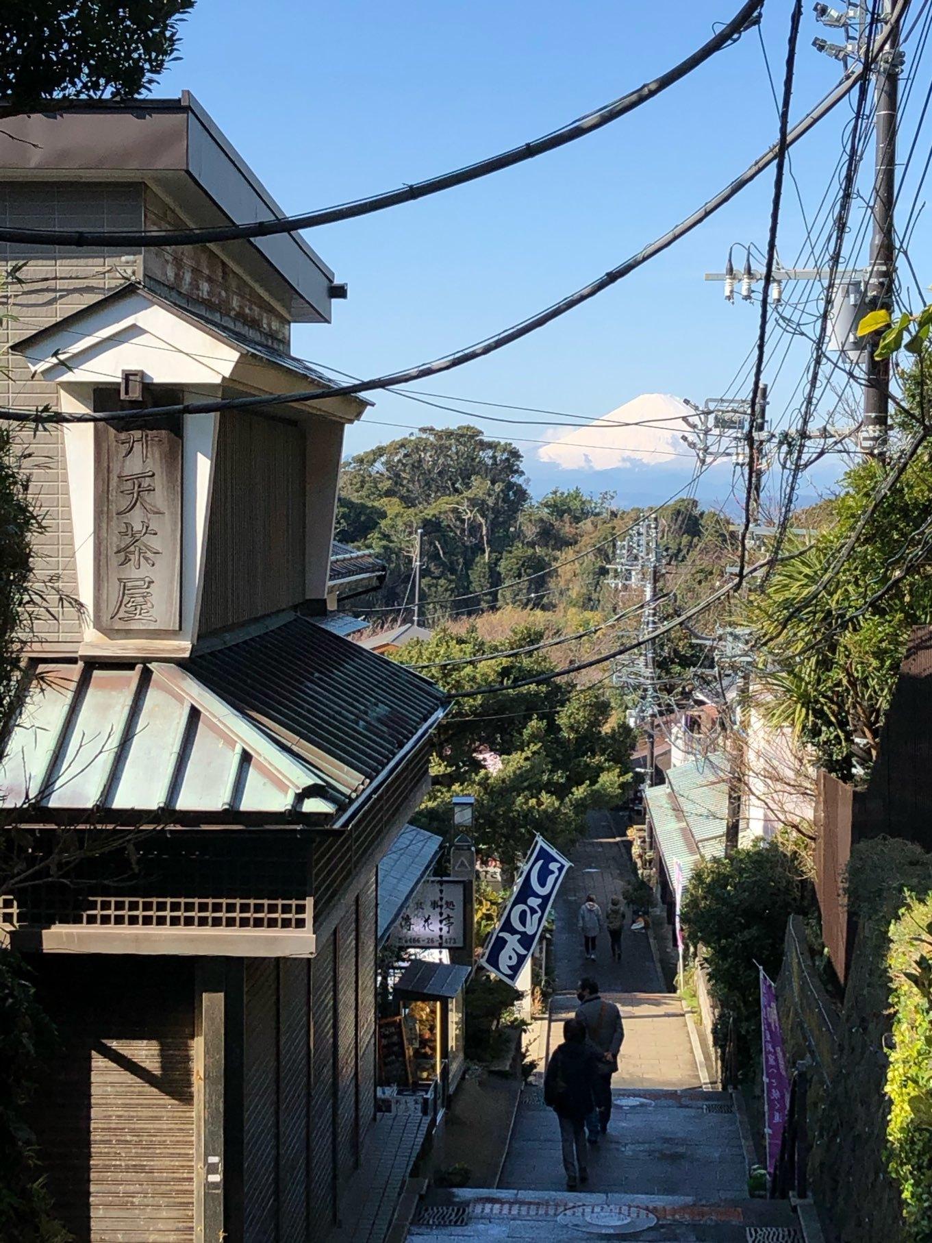 江の島から臨む富士山