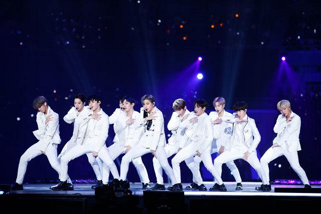 """アジア最大級の音楽授賞式""""MAMA""""が無事終了。 """"TWICE""""、""""EXO-CBX""""、""""Wanna One""""が日本のステージで躍る‼_1_2"""