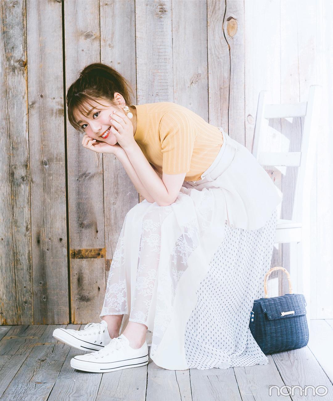 レーシーなスカートに、足元はスニーカーでカジュアルミックス!【毎日コーデ】_1_1
