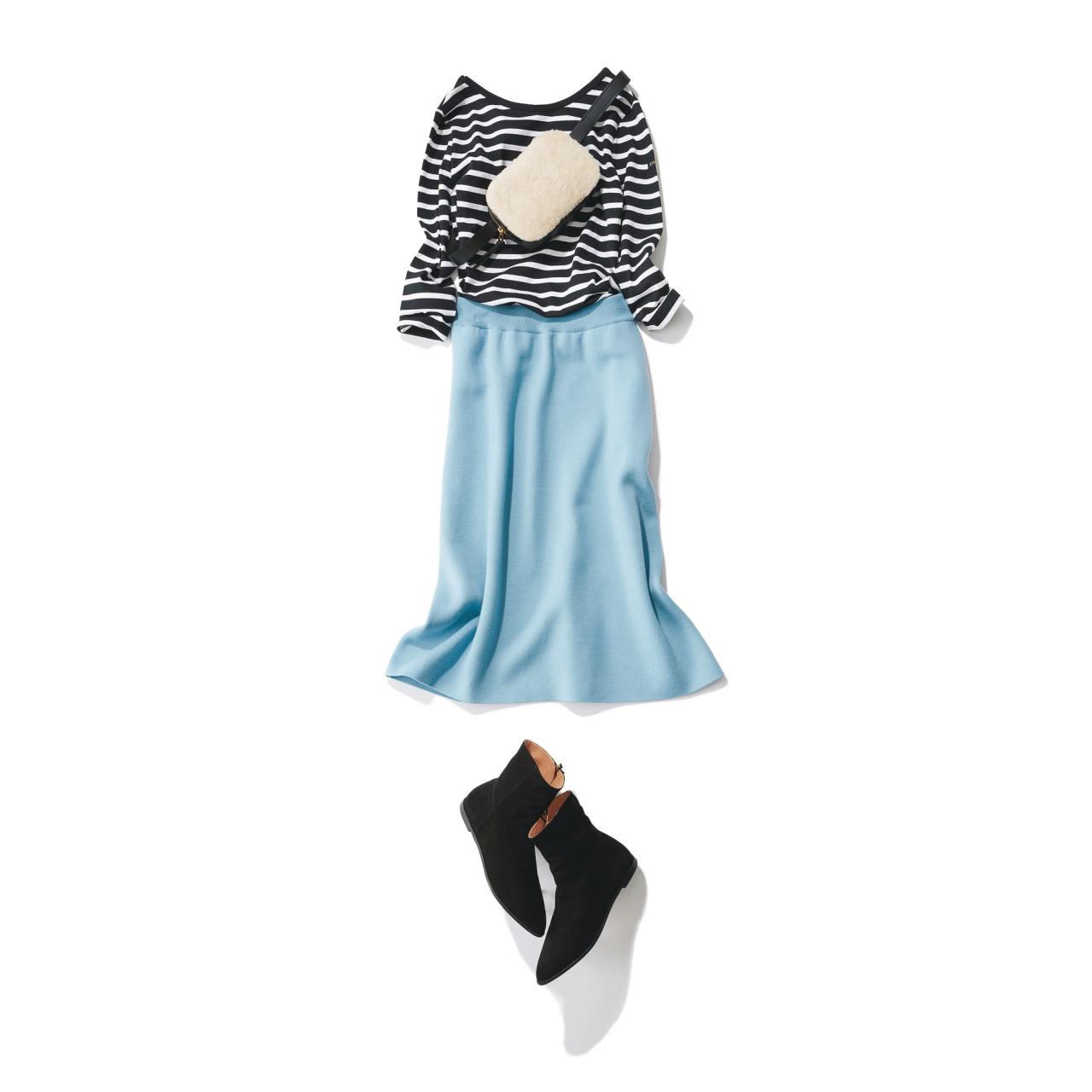 ボーダートップス×水色スカートのファッションコーデ