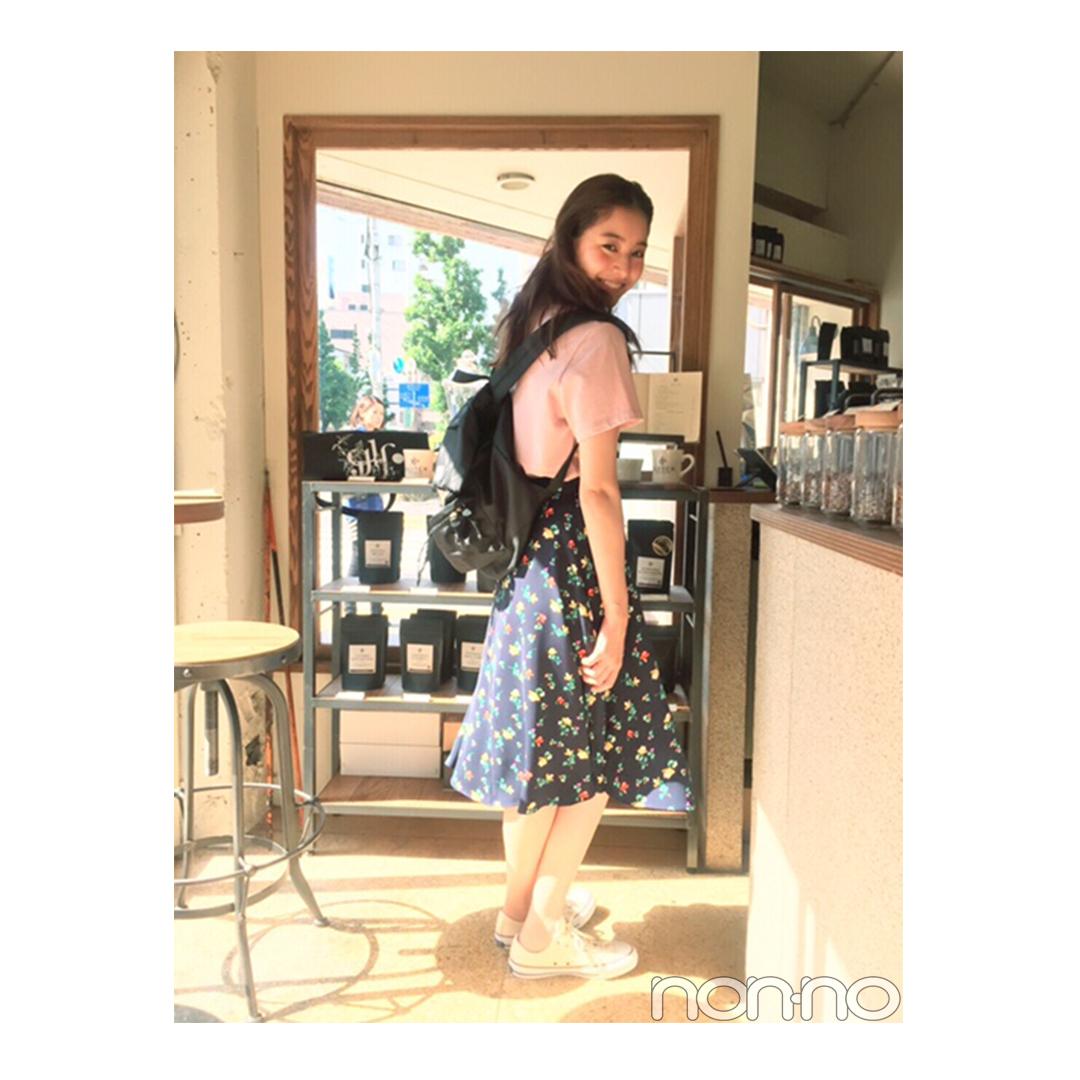 新木優子の「花柄スカートなのにカジュアルコーデ」が可愛い!【毎日コーデ】_1_1