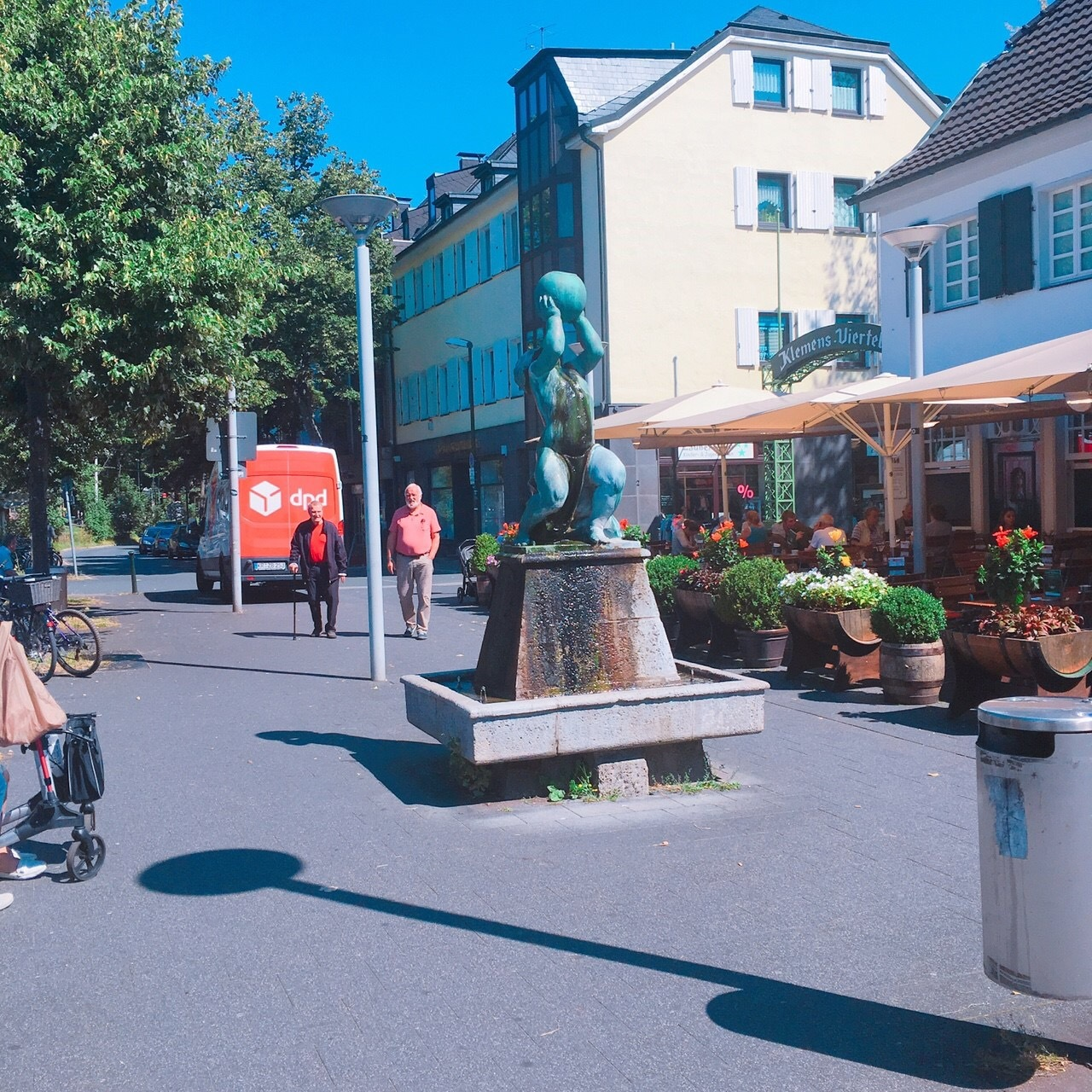 ドイツ -帰国子女が教えるマル秘スポット【デュッセルドルフ】の街を歩く-_1_1-3