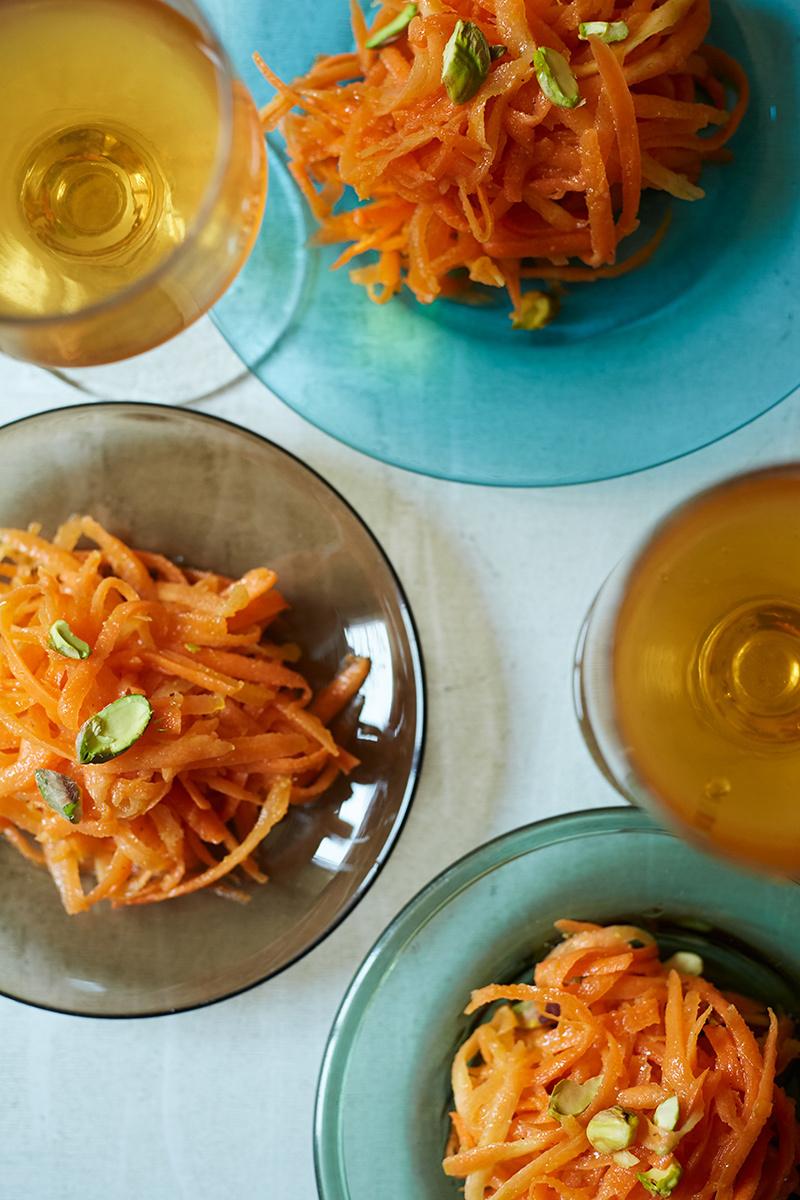 【ジョージアワインに合うおつまみレシピ 2】にんじんとピスタチオのサラダ カルダモン風味1