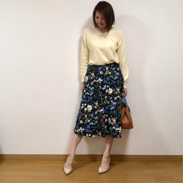 TOPS:UNIQLO SKIRT:martinique
