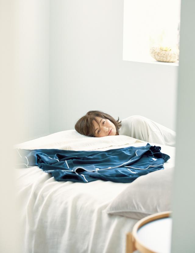 パジャマコーデの富岡佳子