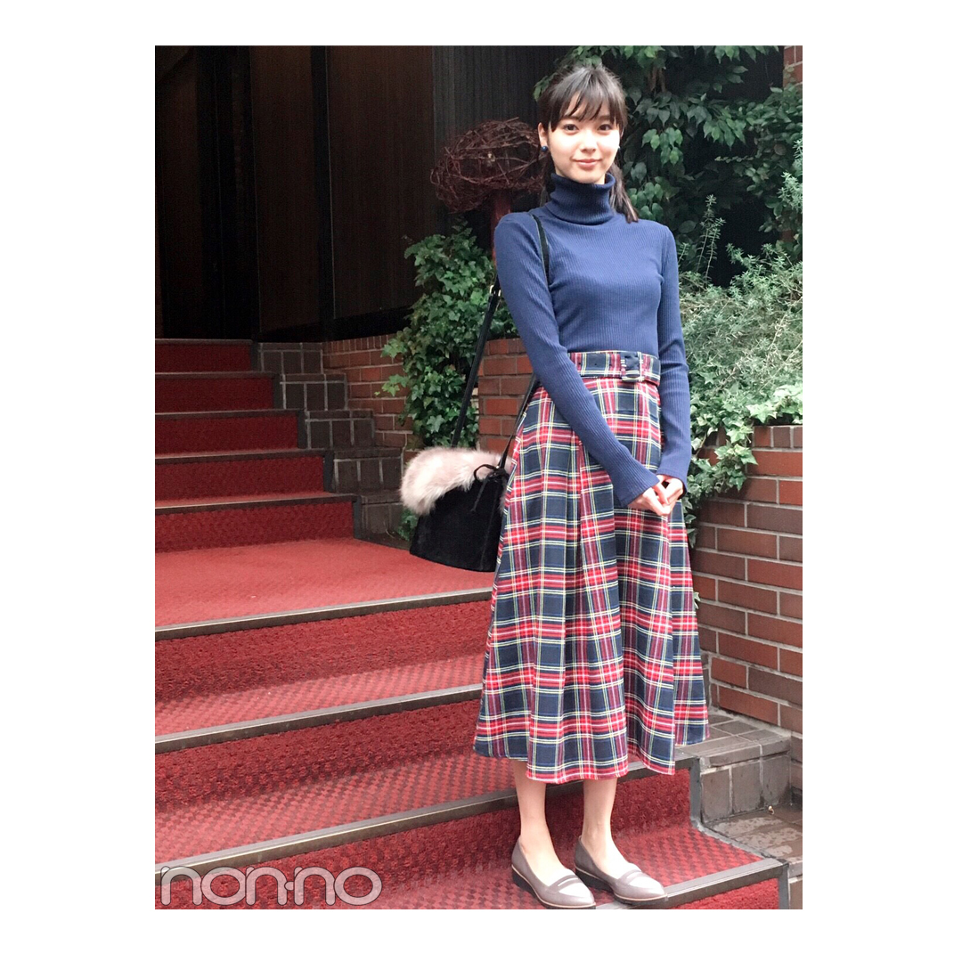 新川優愛のレディなチェックスカートスタイルが可愛すぎ!【毎日コーデ】_1_1