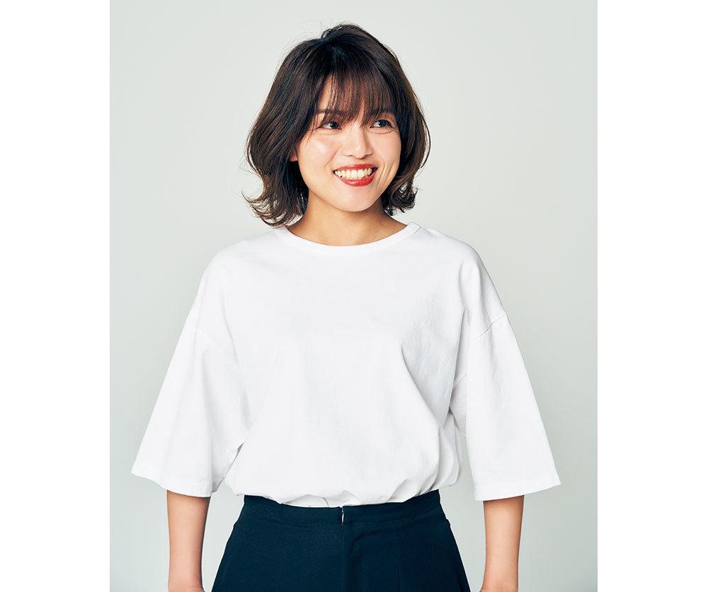 オーバーサイズの白Tシャツ