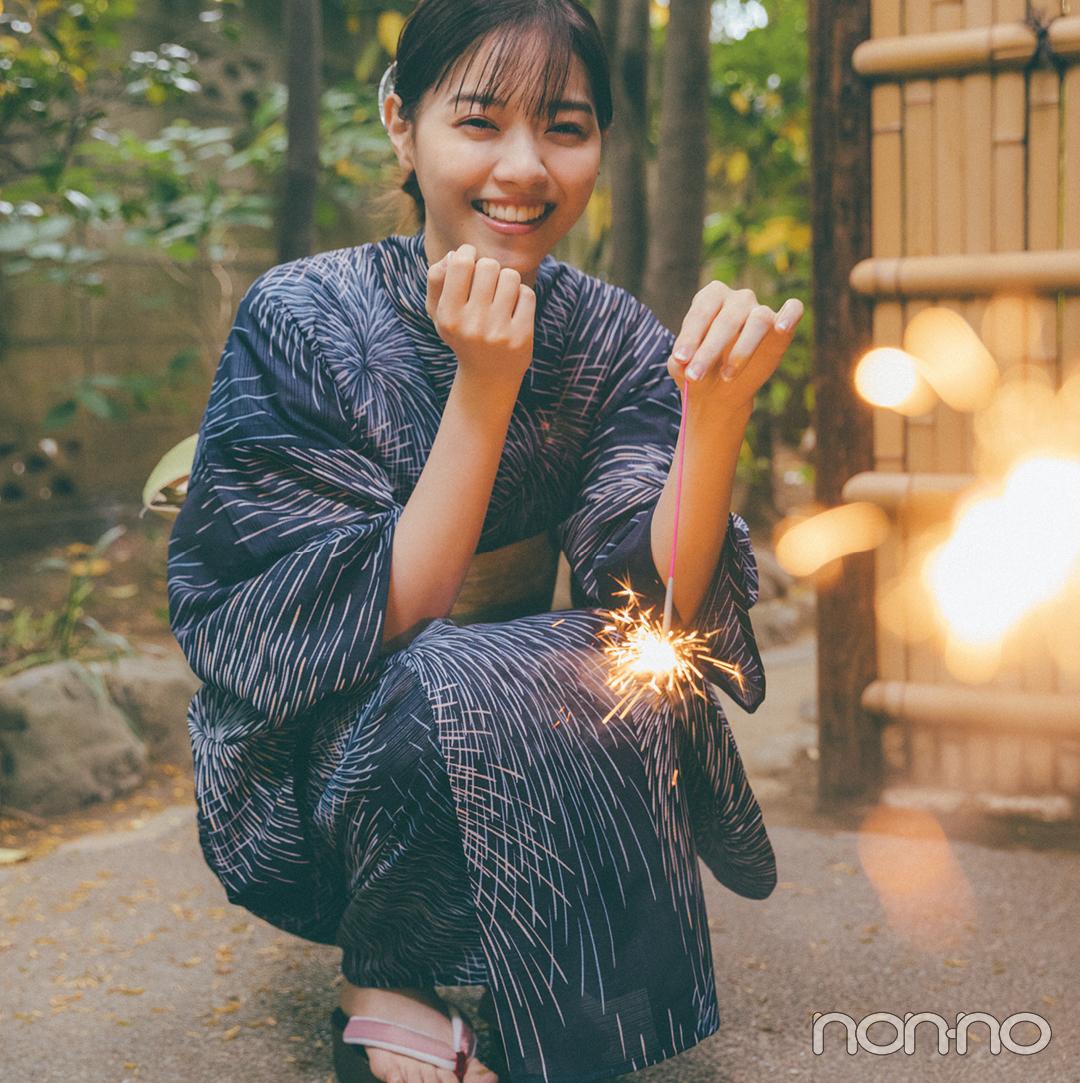西野七瀬の「花火柄」の浴衣2