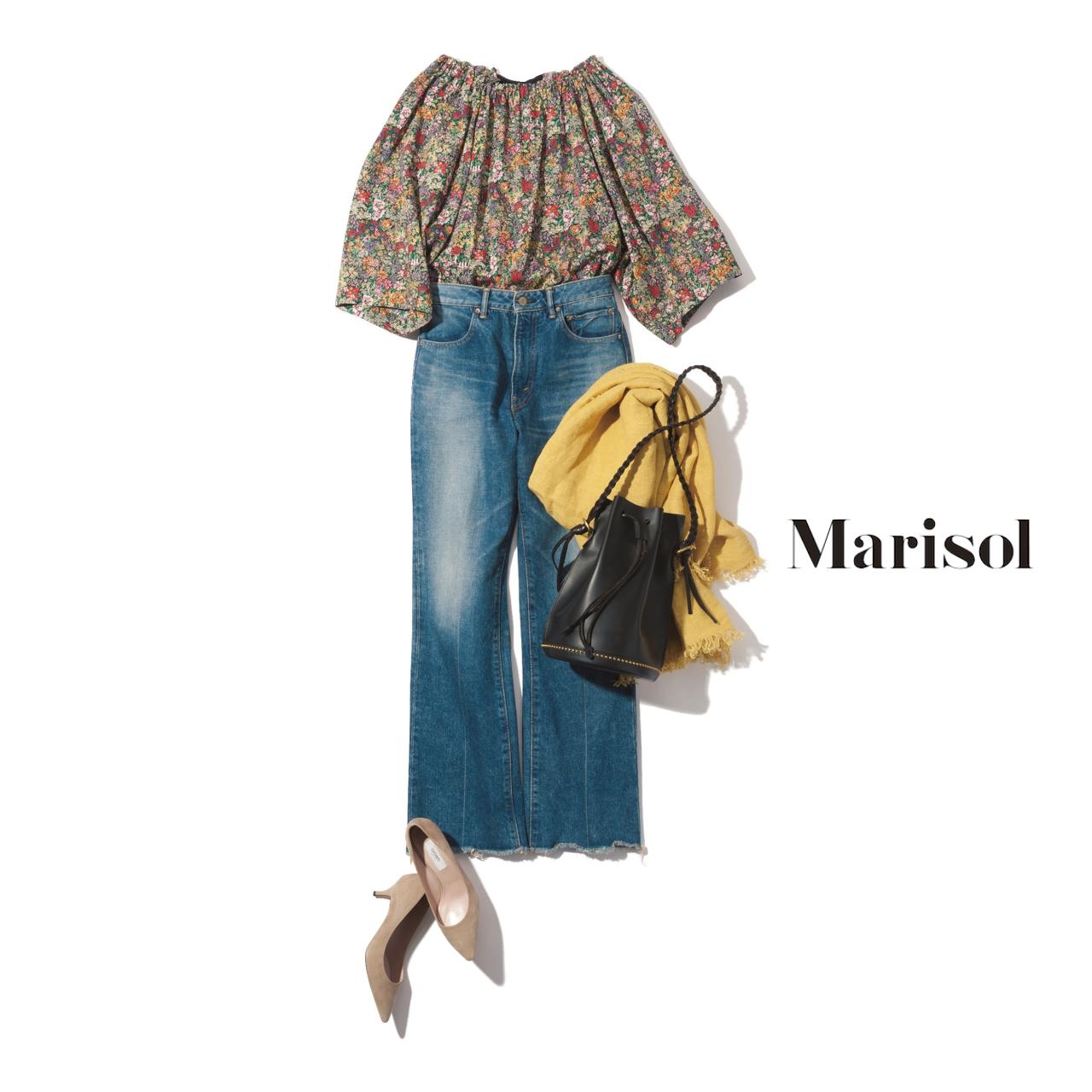 40代ファッション 花柄トップス×デニムパンツコーデ