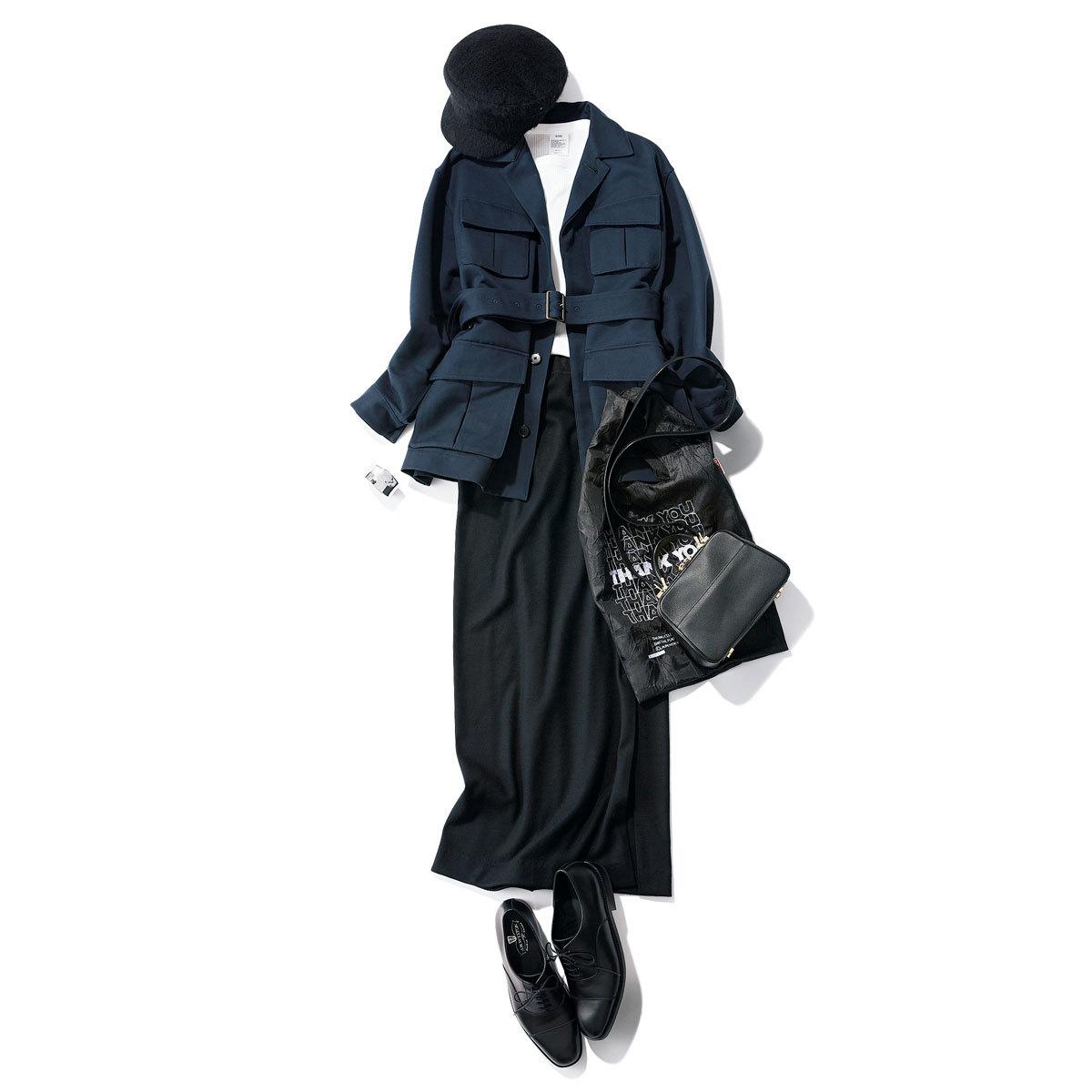 黒タイトスカート×フィールドジャケット