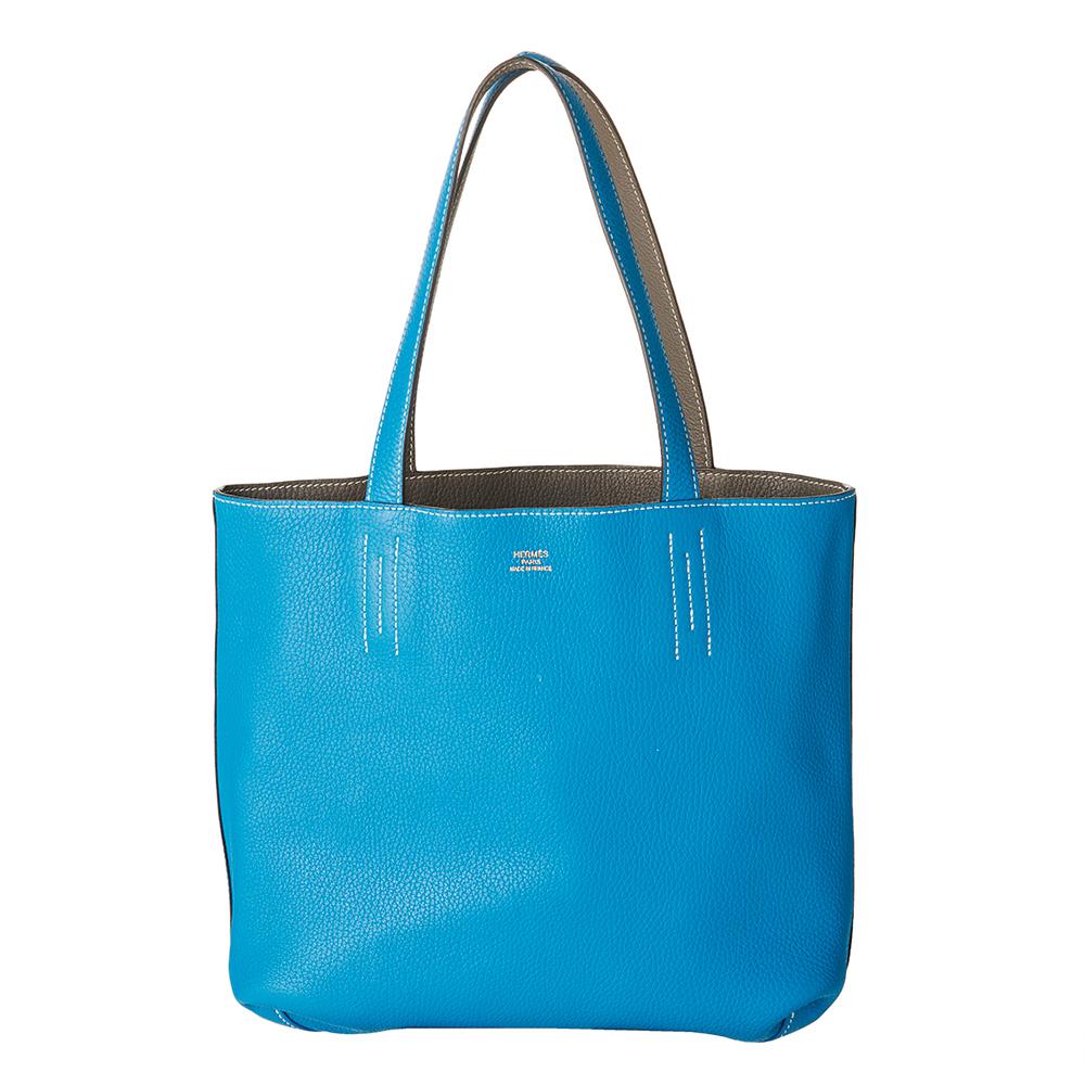 使命感に燃える美容皮膚科医のバッグは華やかブランド小物&学習グッズが共存!【働く女のバッグの中身】_1_2