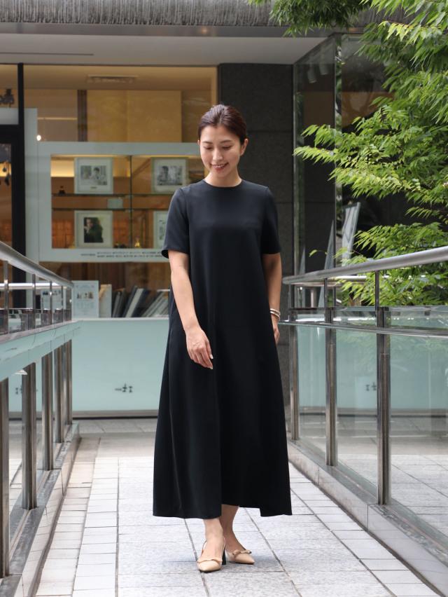 【真夏こそ映える黒コーデ】重たく見えず、シックに決まるアラフォーの黒コーデまとめ|40代ファッション_1_23