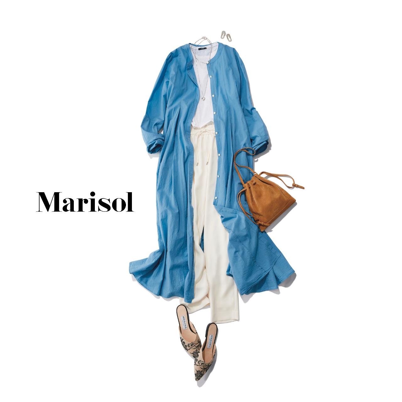 40代ファッション  ブルーワンピース×白Tシャツ×白パンツコーデ