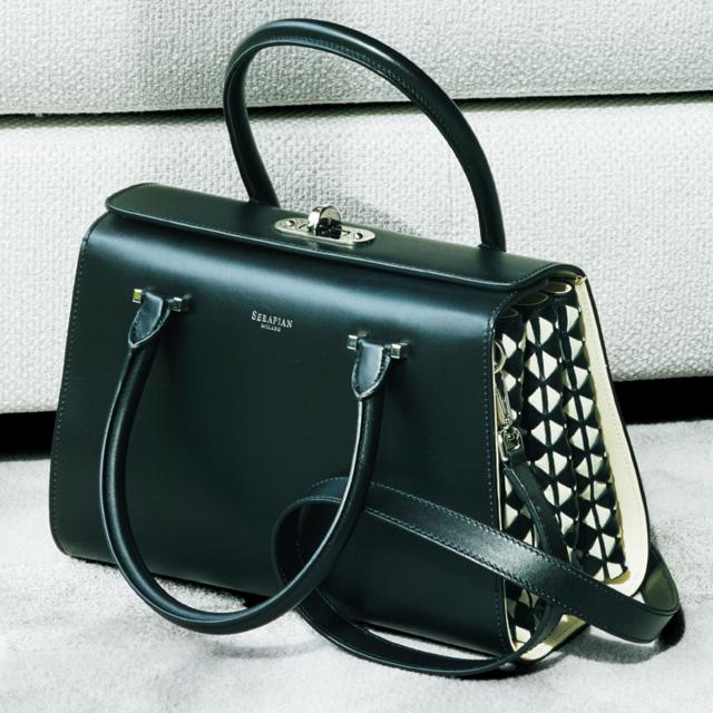 セラピアンのバッグ