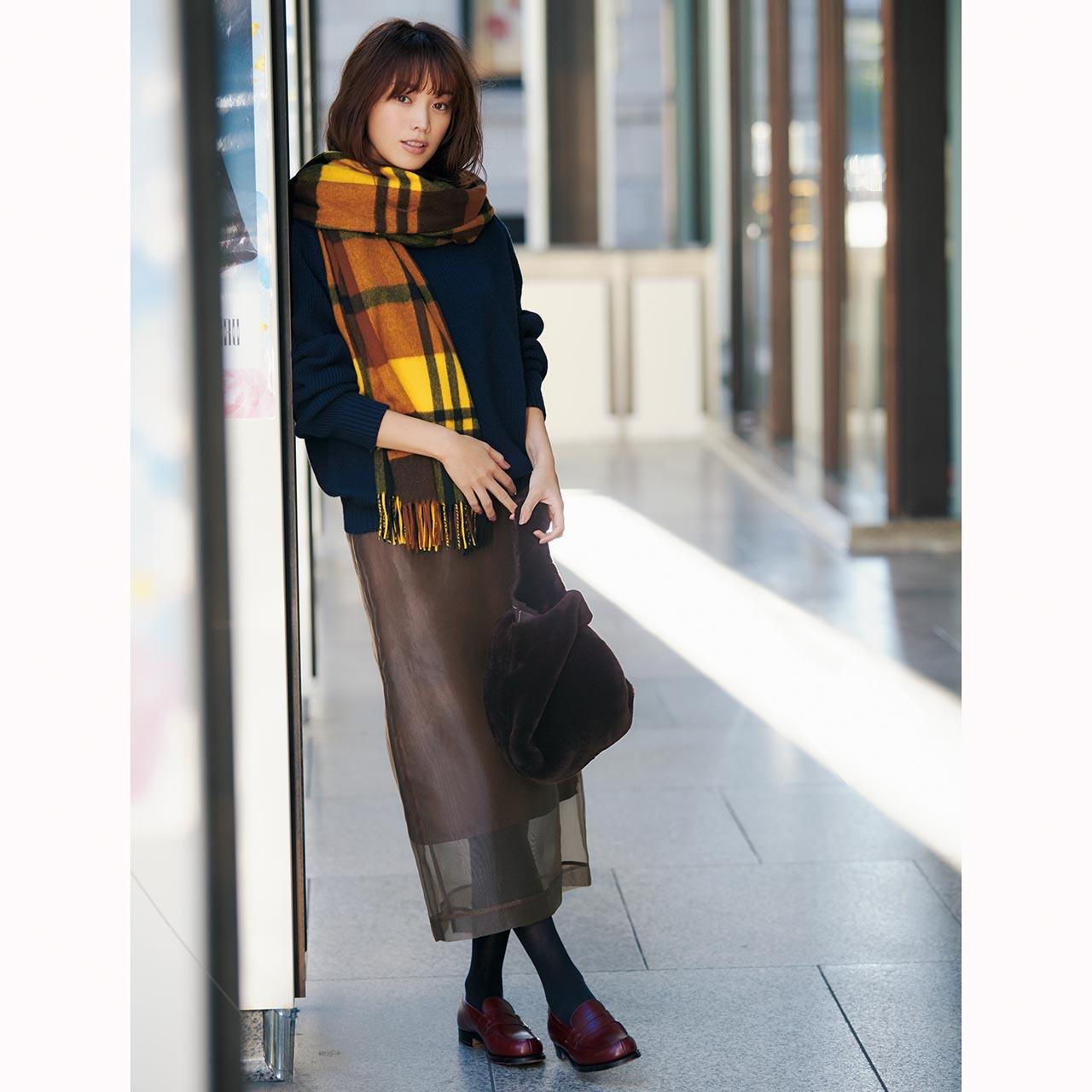 「ハリツヤ・スカート」投入で冬コーデを女性らしく華やかにアップデート!_1_1-2