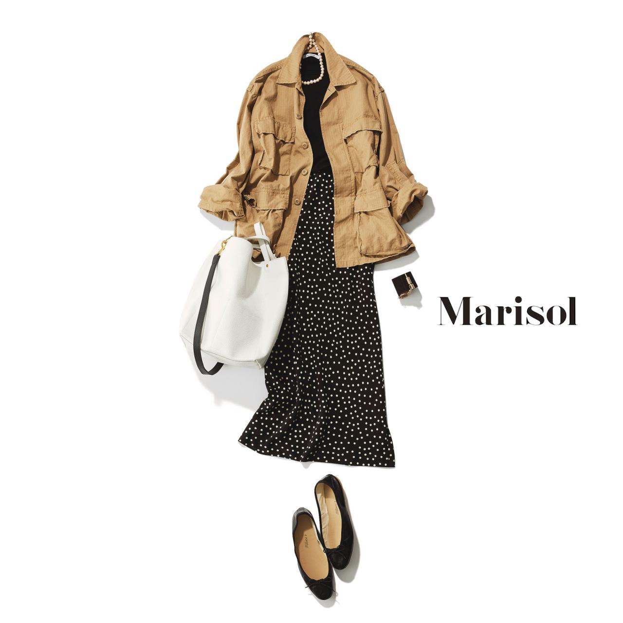 40代ファッション ベージュブルゾン×ドット柄スカートコーデ
