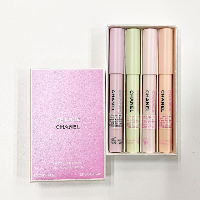 好きな時に香りを着替える♡思わずひと目ぼれしたシャネルの「ペンシル型フレグランス」_1_3