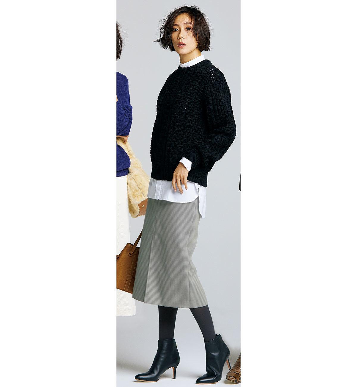 ニット×タイトスカート×黒のショートブーツコーデ