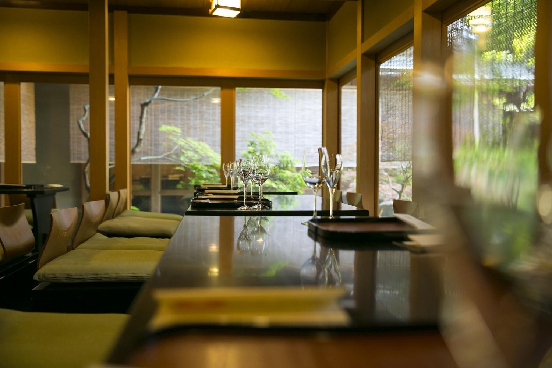 素晴らしい日本庭園を眺めながら、日本ワインを味わう……シャトー・メルシャン『Tasting Nippon』イベントレポート【飲むんだったら、イケてるワインWEB特別篇】_1_5