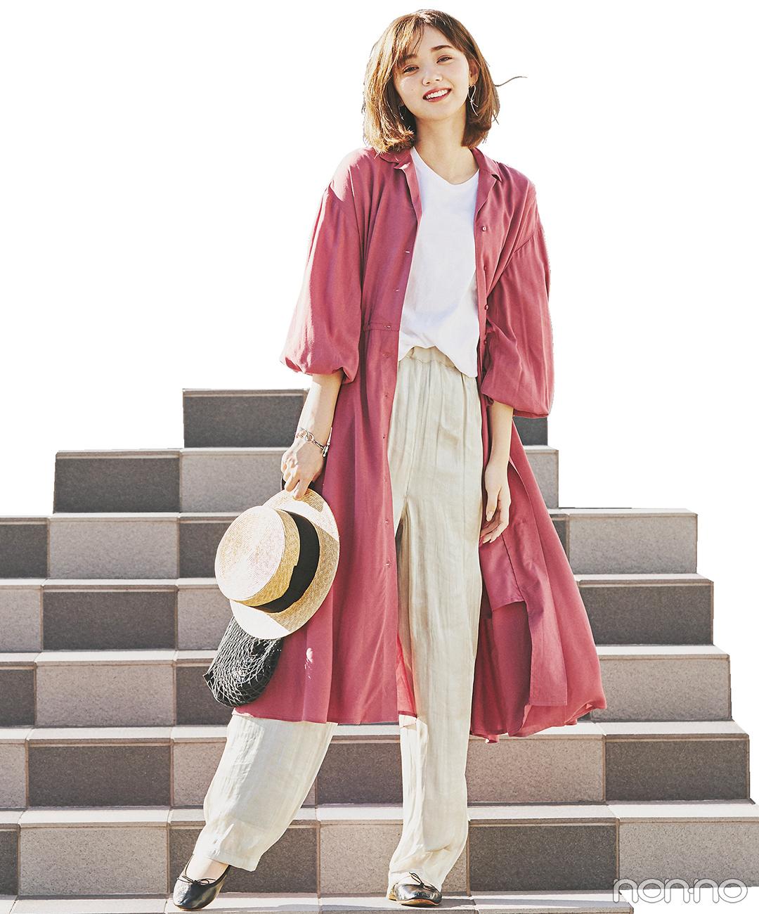 きれい色のワンピース、前を開けてシャツ風に着てこなれ感を【毎日コーデ】