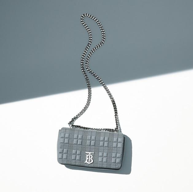ファッション ディオールのショルダーバッグ