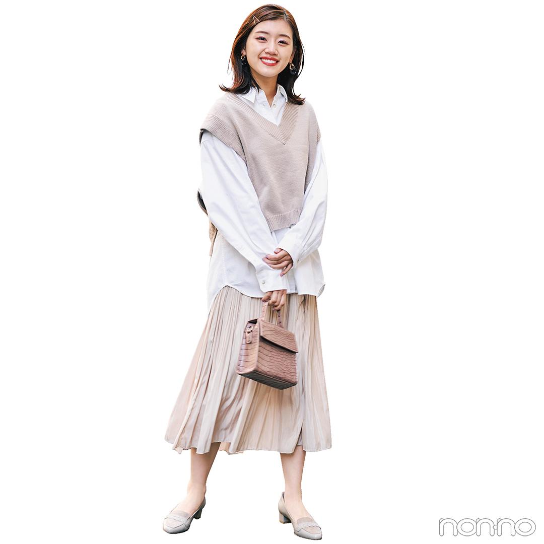 寒色トーンの小花柄スカートで大人なフェミニンスタイル【毎日コーデ】_1_2-3