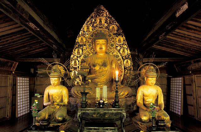 往生極楽院の阿弥陀三尊像