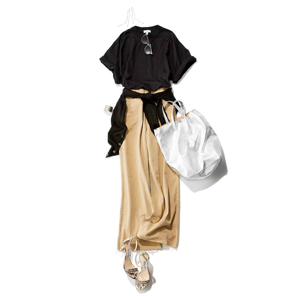 黒、ブラウン、ネイビー。Tシャツのバリエが豊富な今季、王道の白以外で1色選ぶなら? _1_3