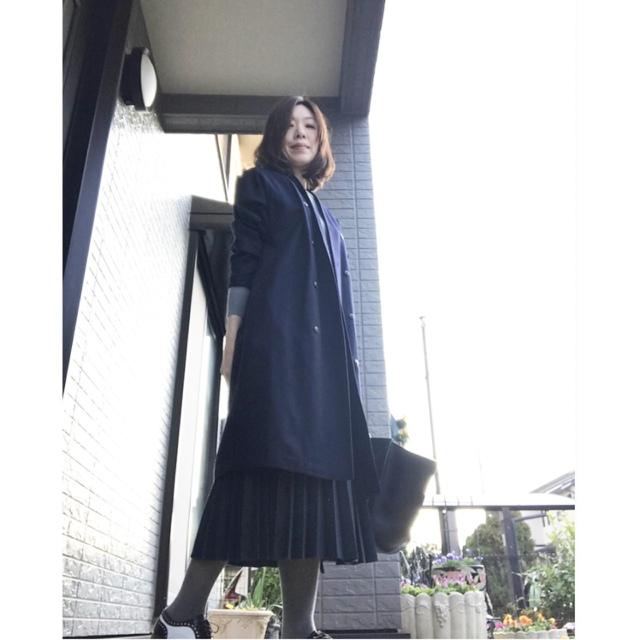 リアル通勤コーデ。心地よい気候の木曜日はVネックコートをサッと羽織って!_1_1