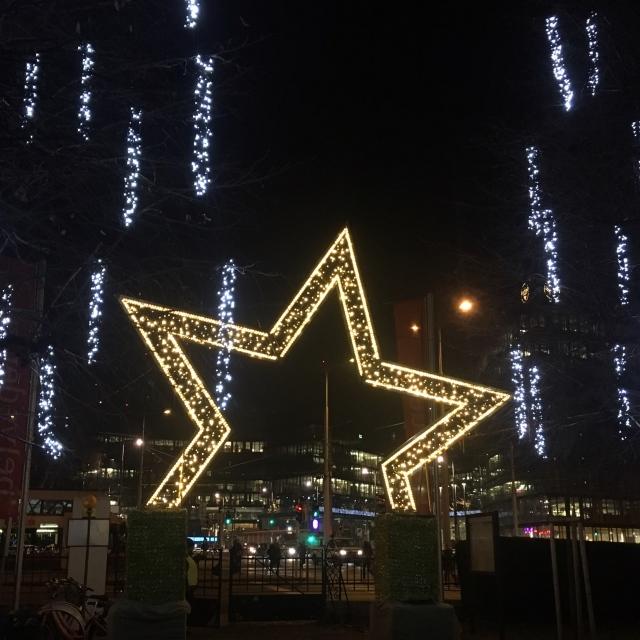 ウィーンのベルヴェデーレ宮殿のクリスマスマーケット_1_10
