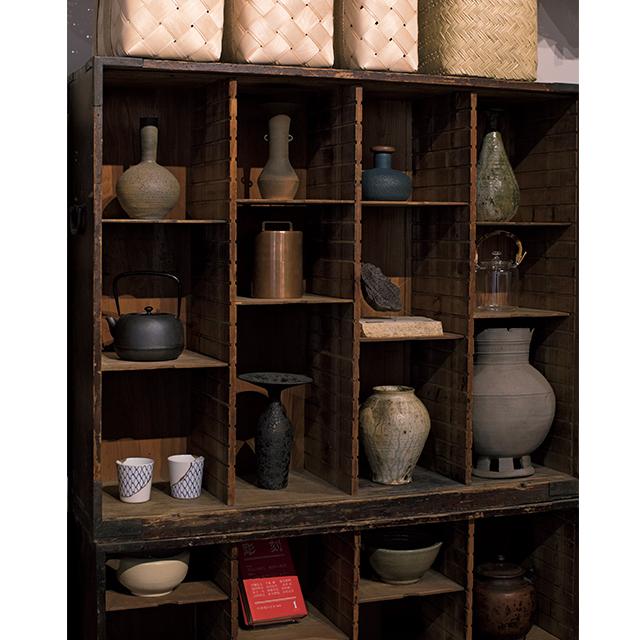 食器や花器、道具類