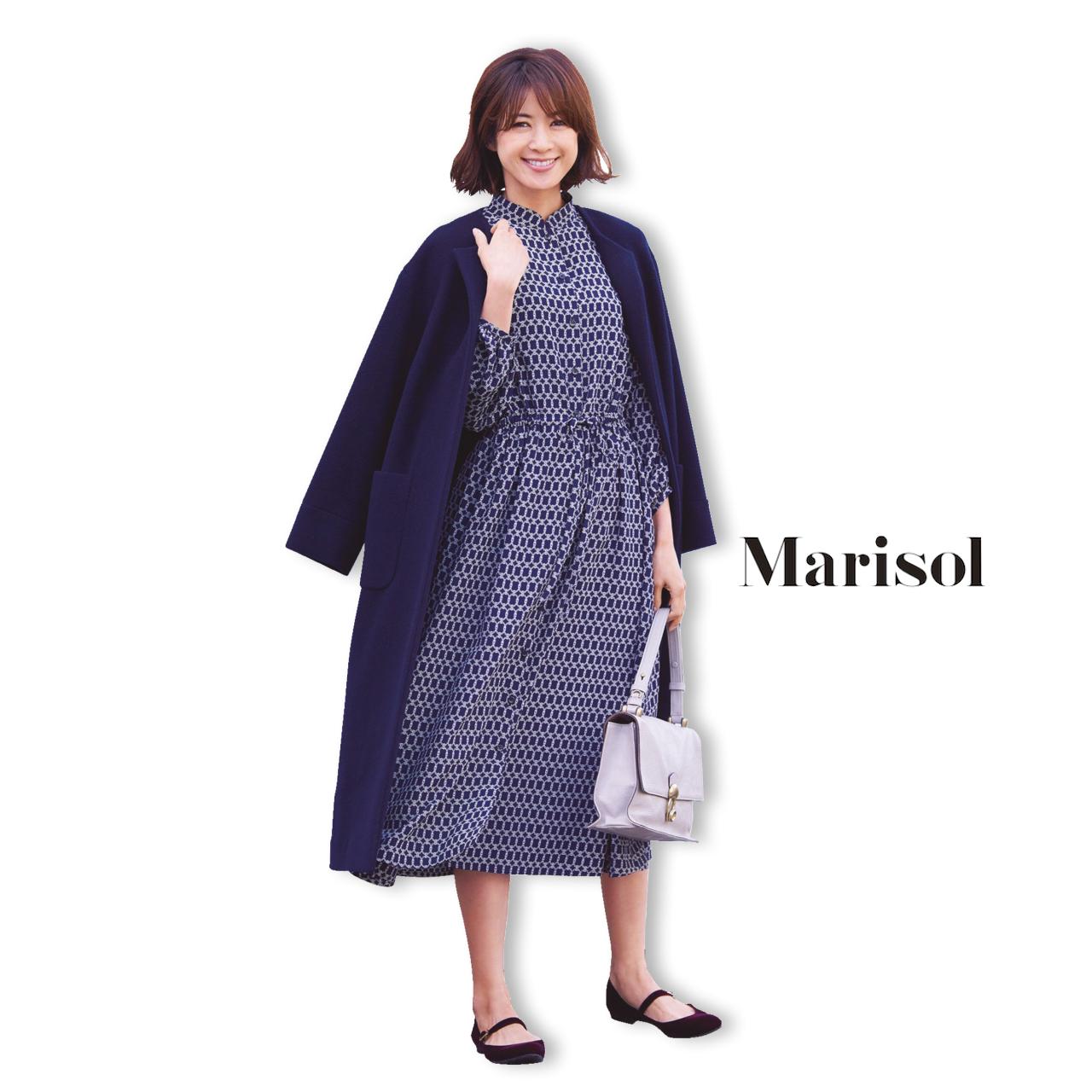 40代ファッション ネイビーコート×柄ワンピースコーデ