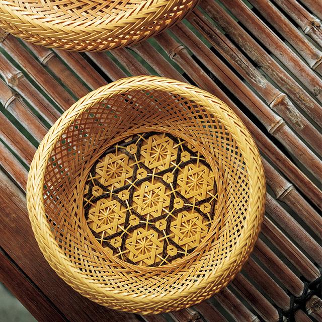 花のように編み上げたオリジナルの花六ツ目鉄鉢