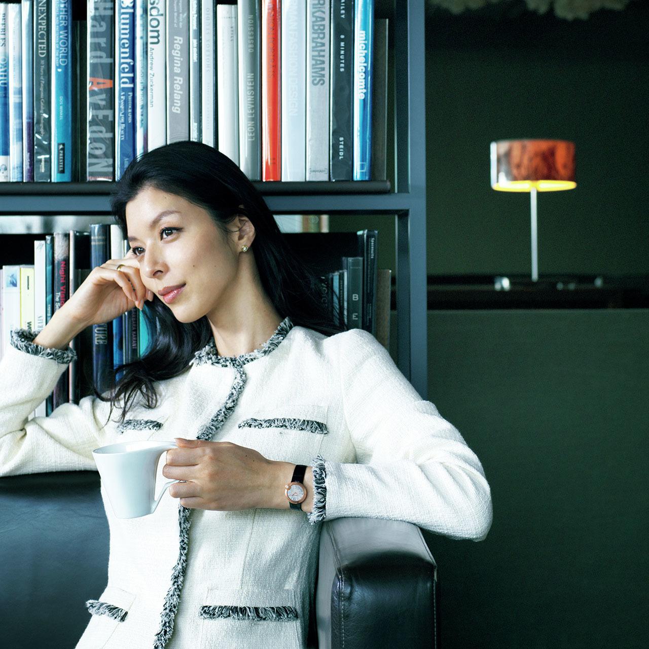 手もとに宿る品格、働く女性の最終仕上げ。華やかさと風格を添える腕時計 五選_1_1-2