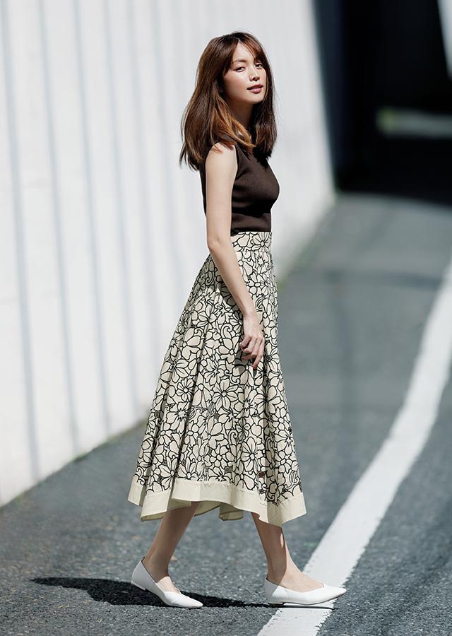 ジャスグリッティーで初夏コーデに華やぎを 今こそ、大人の「着映え服」を手に入れよう_1_6