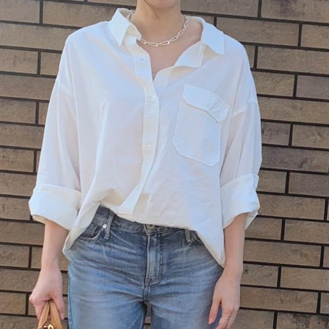 この春のHIT服「シャツ」をアラフォーはこう着る!最旬シャツコーデまとめ|40代ファッション_1_24