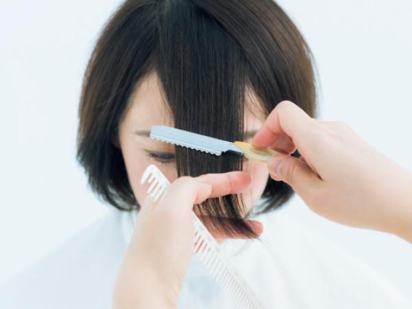 前髪の幅を広くとってしまうと顔の横幅を強調することになる