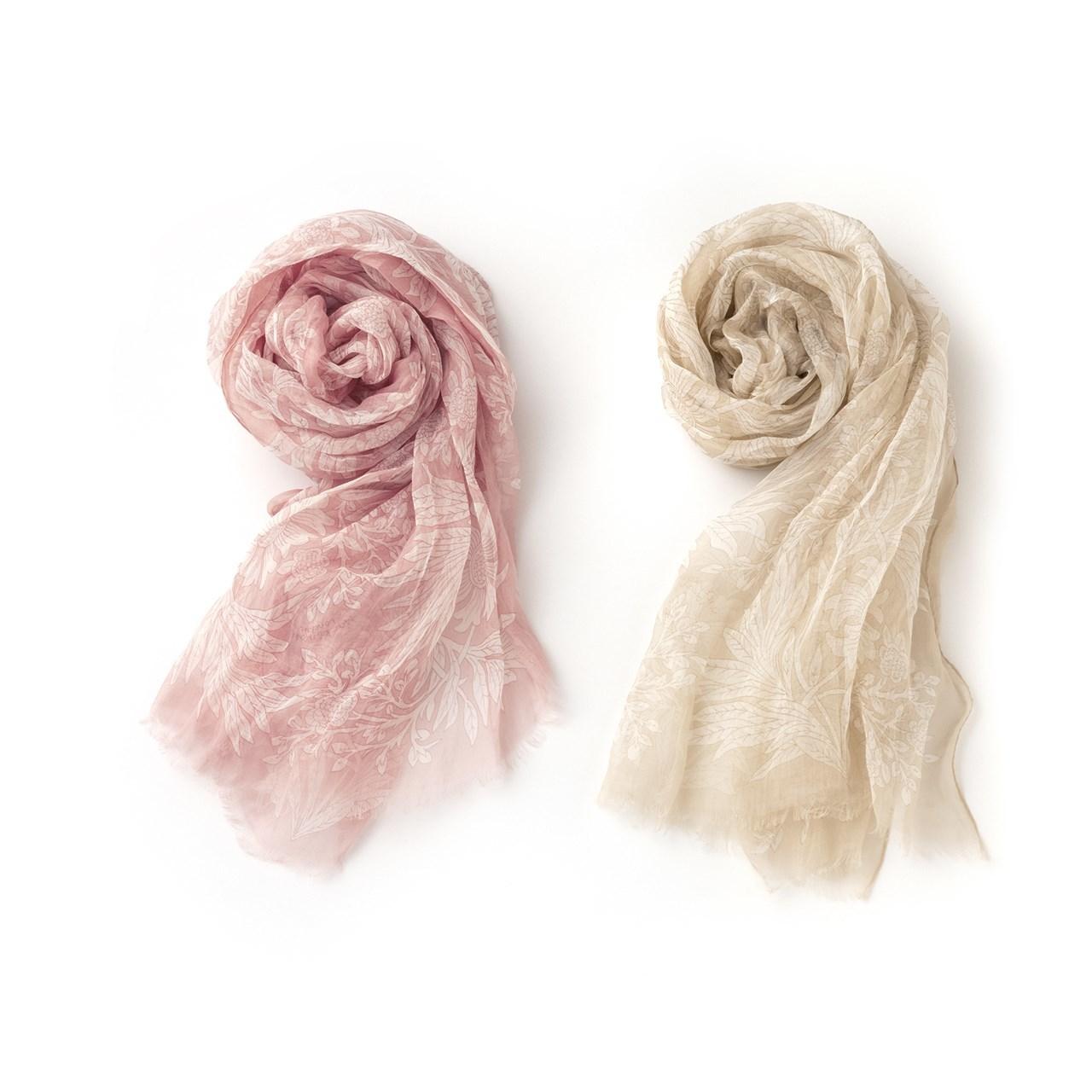 「マッキントッシュ ロンドン」バイブリーフラワーのスカーフ