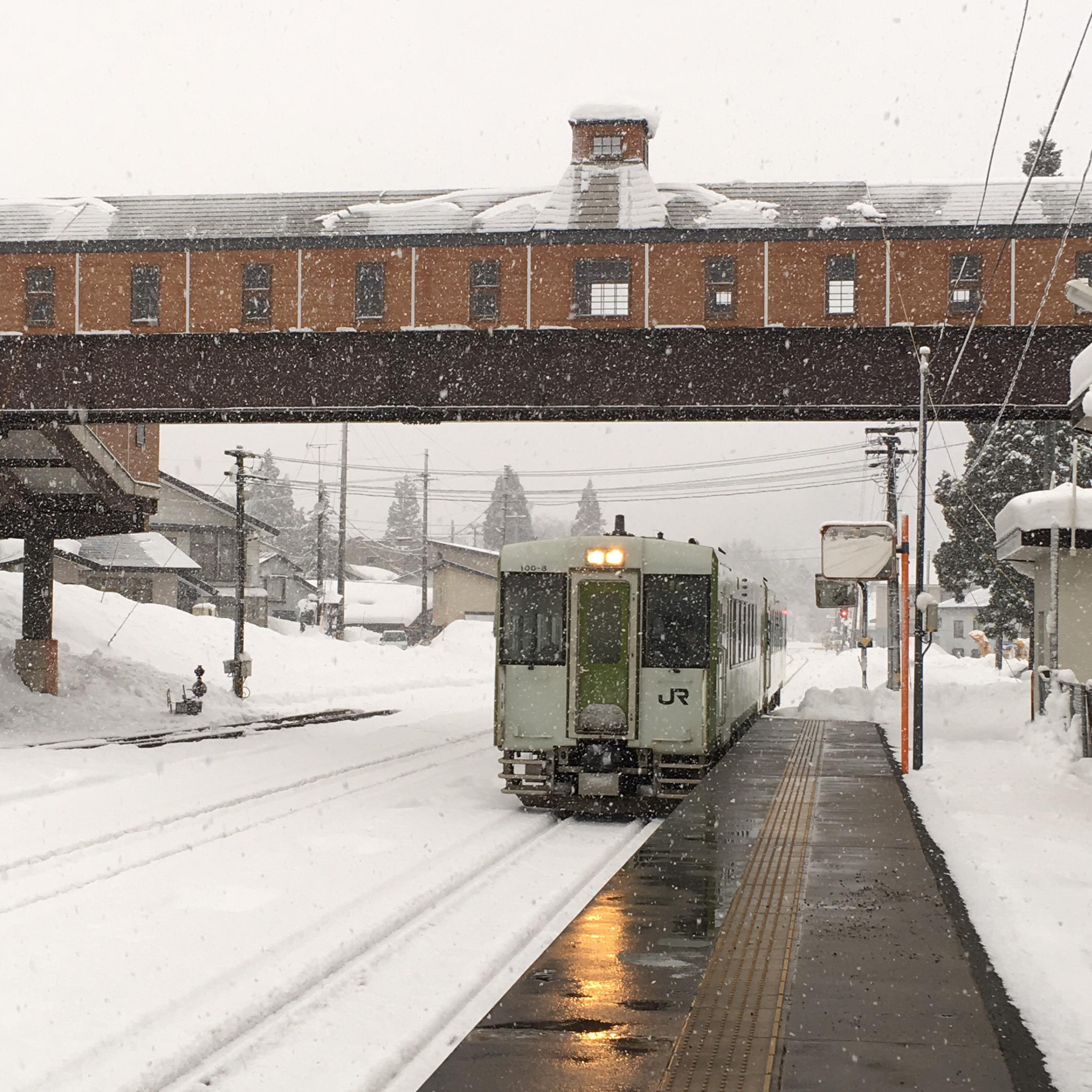 冬の東北、列車でぬくぬく雪見行。_1_1-4